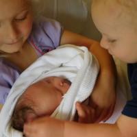 Selling breastmilk !!! Healthy mom and  healthy tandem feeding babies!!