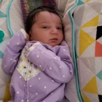 32 Year Old Mother of 3 Week Old Selling 1000+ Ounces to Anyone